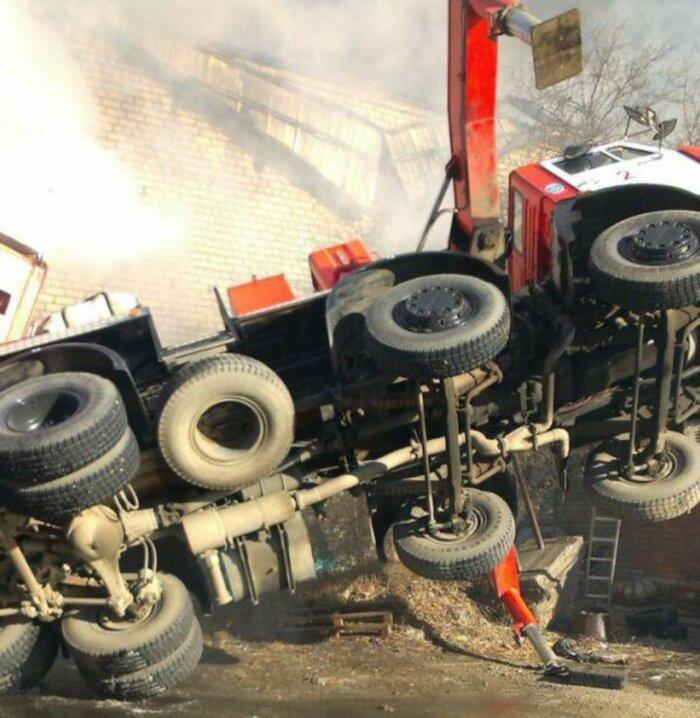 Почему американцы не используют пожарные пеноподъемники?
