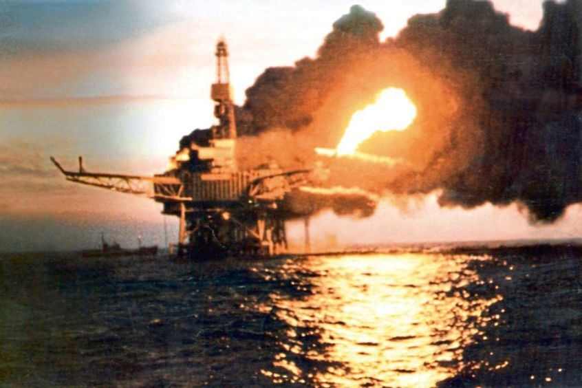 Пожар на морской платформе Piper Alpha