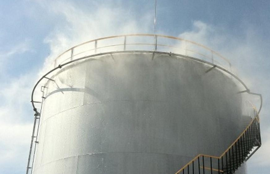 Водяное охлаждение резервуара