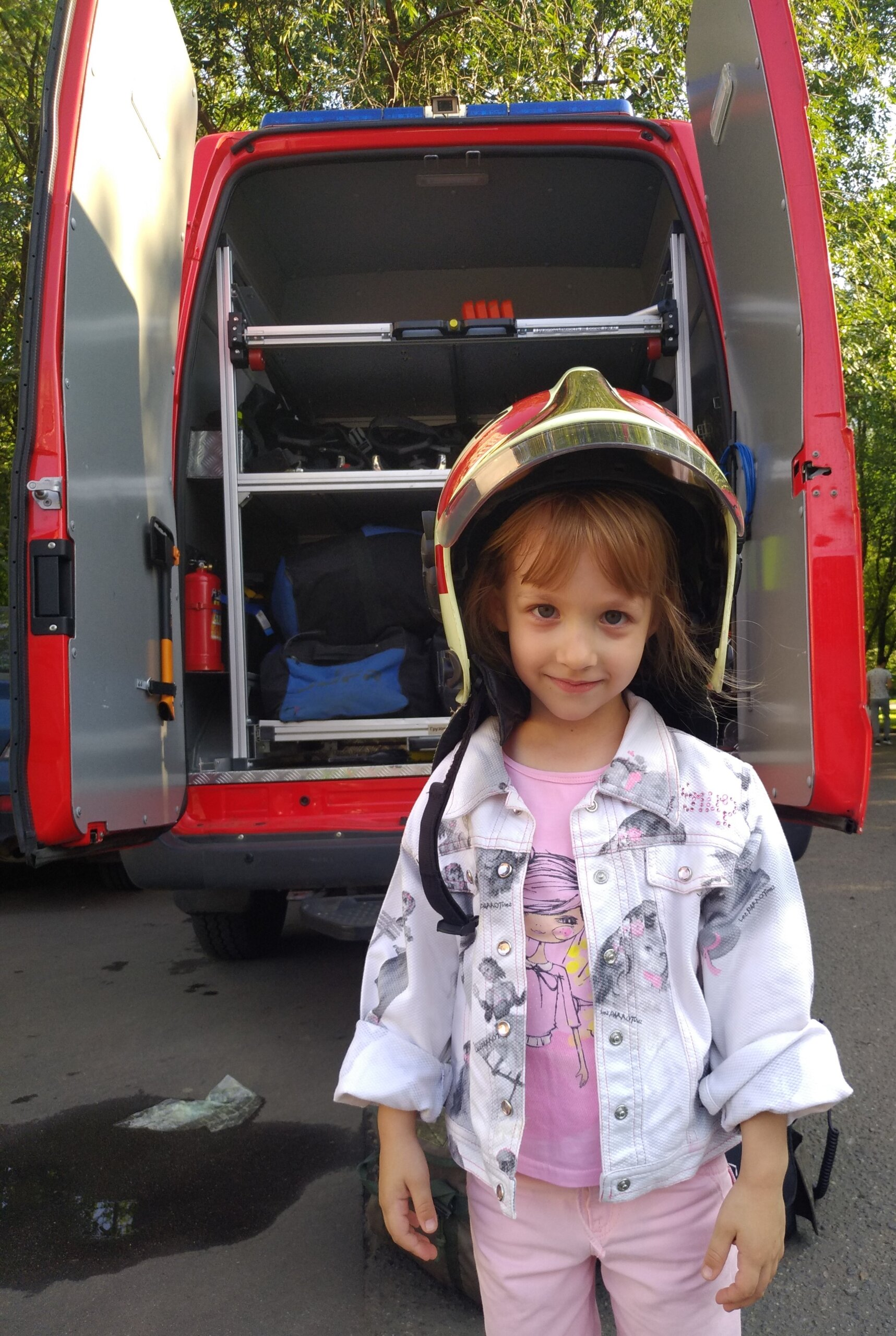 Ребенок хочет стать пожарным! Отдал бы я сына?